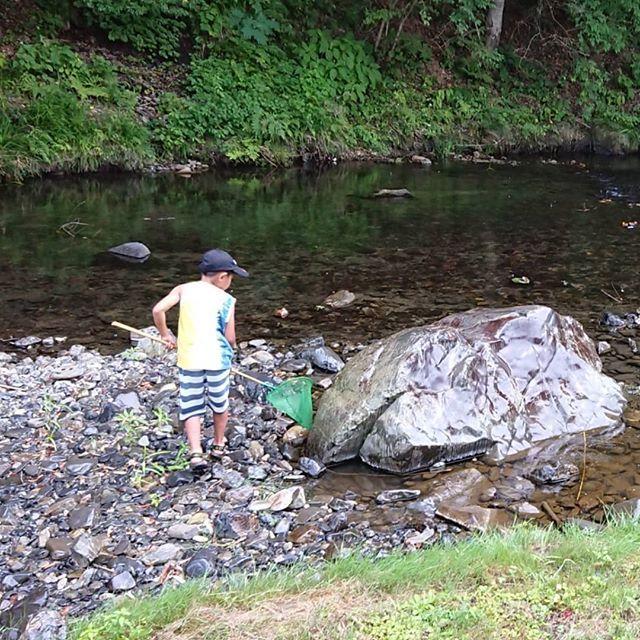 熱いですね、川に遊びに来て下さい。イメージ